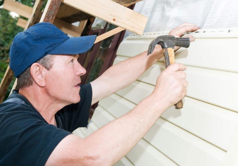 Как обшить дом утеплителем – правильно, своими руками